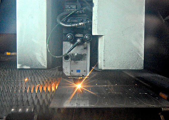 laser cutting (vs plasma cutting).jpg