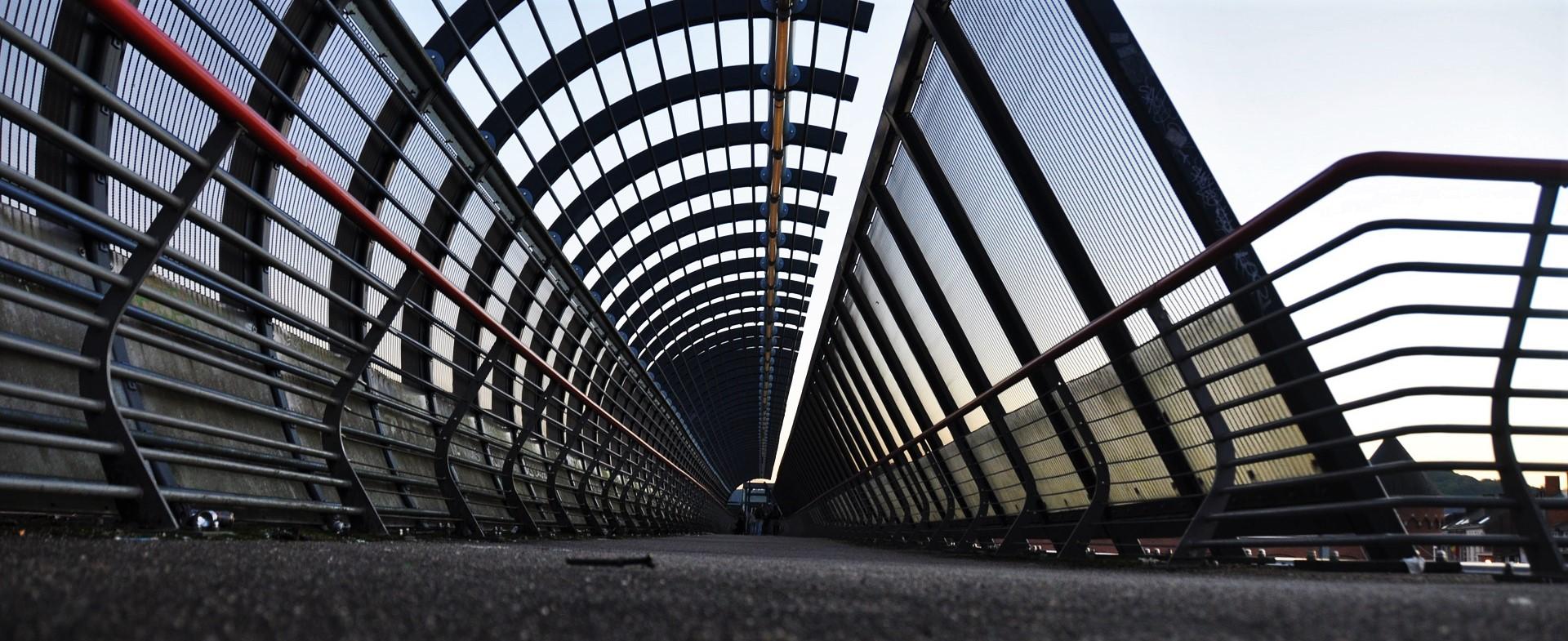 bridge-1417676_1920.jpg